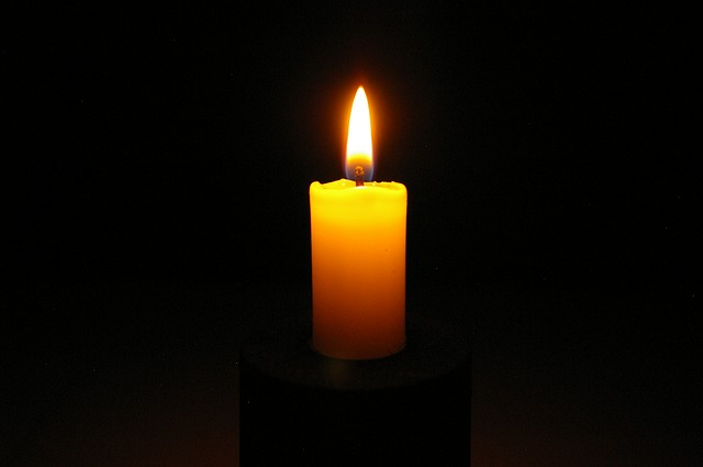 candle-2631921_640