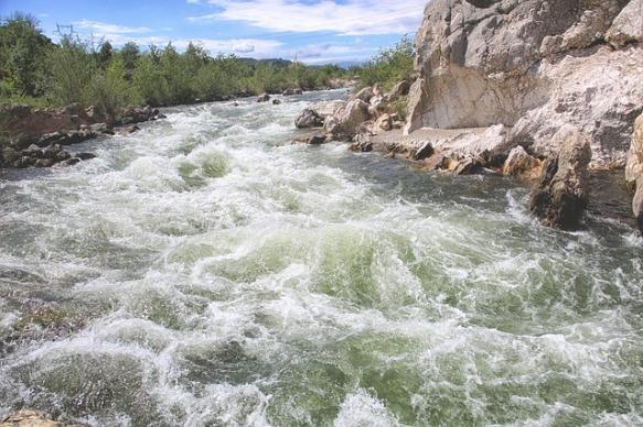 river-3388188_640